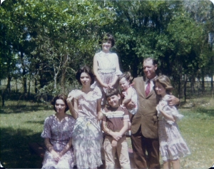 Easter Sunday 1978.  That's me in the back, with my Dad and siblings Melanie, Melinda, Will, Michelle, and Melissa.